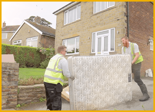 rubbish-removal-Farnborough-and-Aldershot-mattress-team-photo